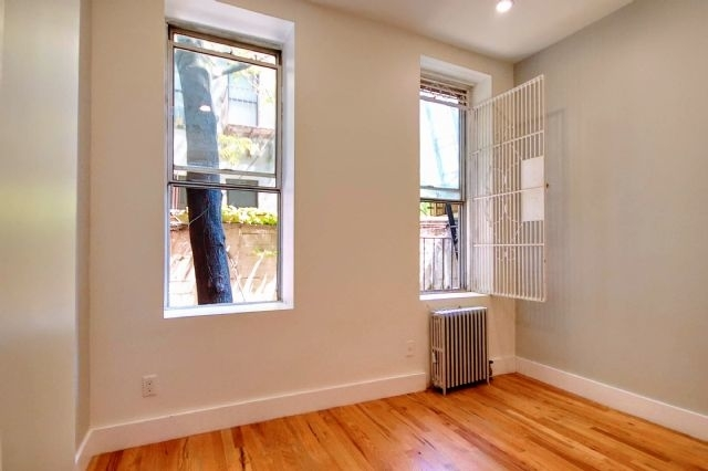 2 Bedrooms, Alphabet City Rental in NYC for $3,999 - Photo 2