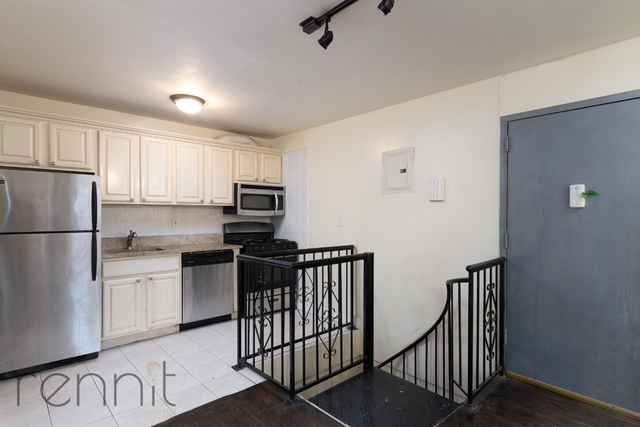 4 Bedrooms, Ridgewood Rental in NYC for $2,900 - Photo 1
