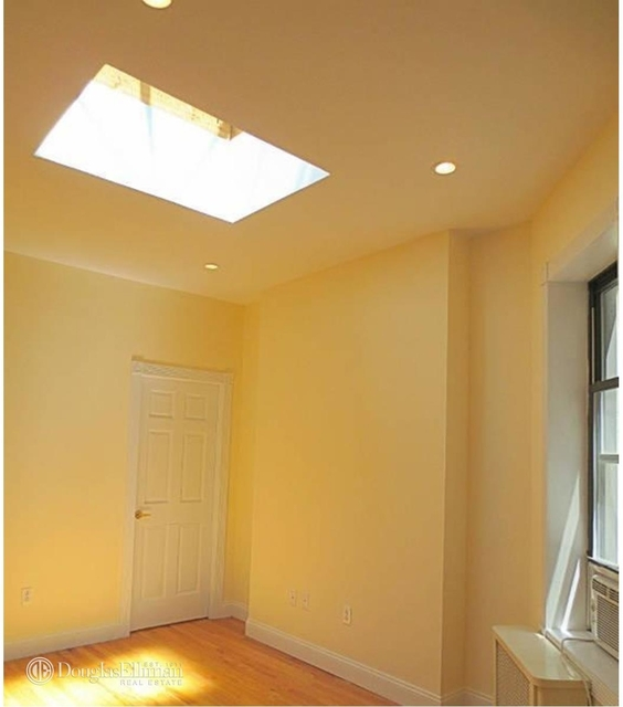 2 Bedrooms, Lincoln Square Rental in NYC for $3,175 - Photo 1