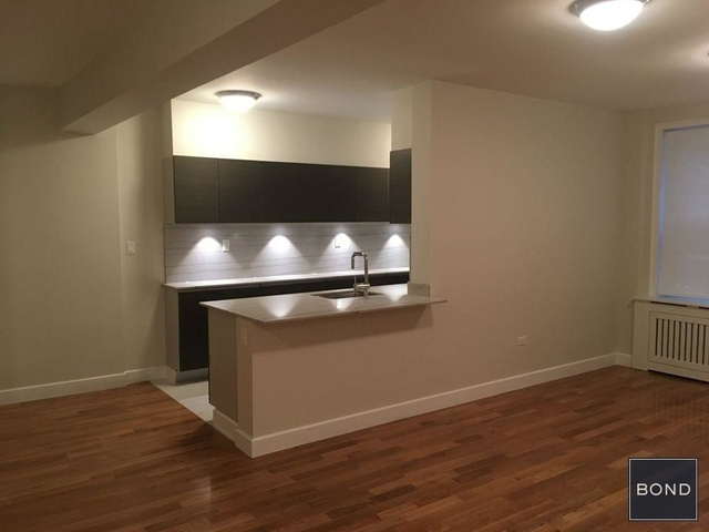 2 Bedrooms, Chelsea Rental in NYC for $6,170 - Photo 1