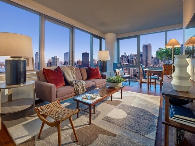 2 Bedrooms, Chelsea Rental in NYC for $7,625 - Photo 1