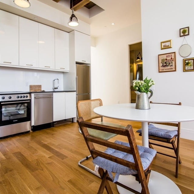 Studio, Williamsburg Rental in NYC for $3,395 - Photo 2