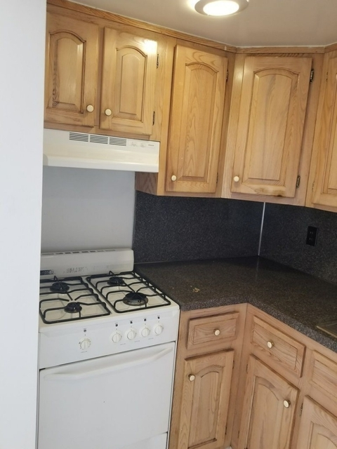 3 Bedrooms, Hell's Kitchen Rental in NYC for $4,250 - Photo 1