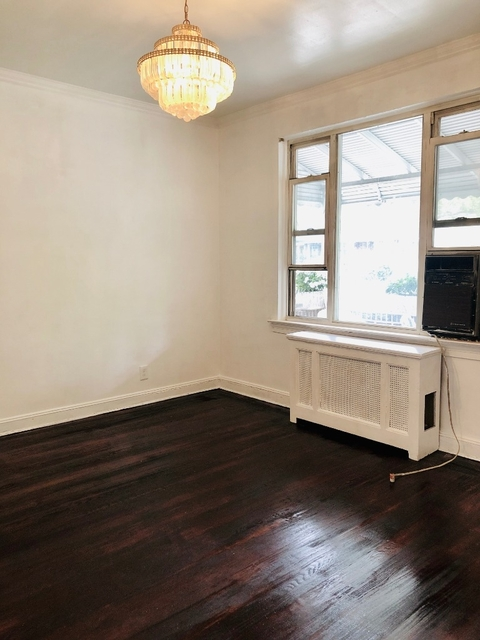 3 Bedrooms, Astoria Rental in NYC for $2,850 - Photo 2