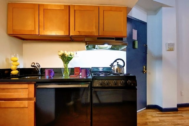 Studio, East Village Rental in NYC for $2,240 - Photo 2