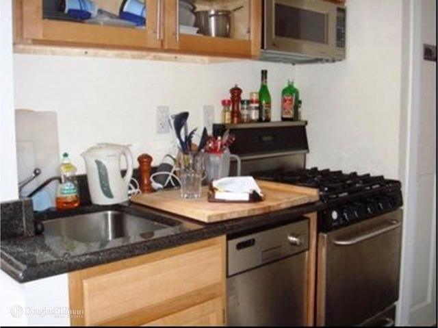 2 Bedrooms, West Village Rental in NYC for $4,795 - Photo 2