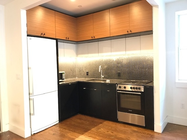 3 Bedrooms, Prospect Lefferts Gardens Rental in NYC for $3,000 - Photo 2