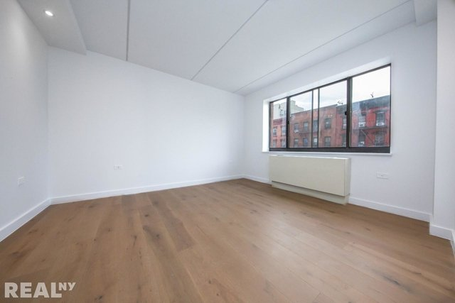 3 Bedrooms, Two Bridges Rental in NYC for $6,445 - Photo 2