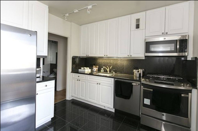 3 Bedrooms, Sutton Place Rental in NYC for $8,199 - Photo 2