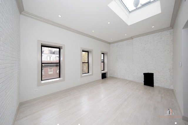 2 Bedrooms, Lenox Hill Rental in NYC for $8,000 - Photo 2