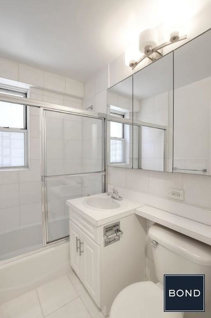 2 Bedrooms, Theater District Rental in NYC for $4,750 - Photo 2