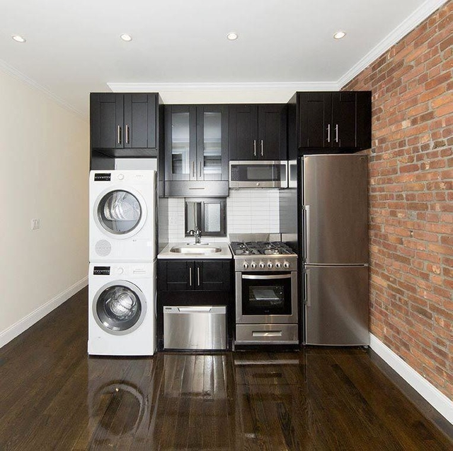 3 Bedrooms, Yorkville Rental in NYC for $4,195 - Photo 2