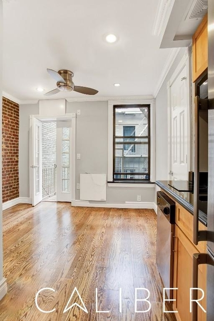 3 Bedrooms, Hell's Kitchen Rental in NYC for $5,190 - Photo 1