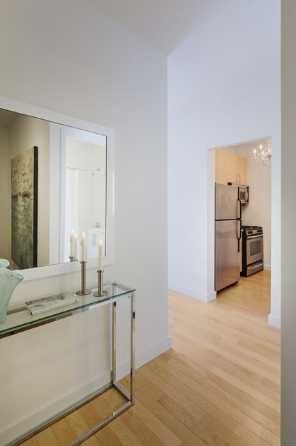 Studio, Financial District Rental in NYC for $5,400 - Photo 2