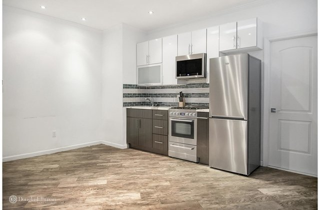 2 Bedrooms, Steinway Rental in NYC for $2,800 - Photo 2
