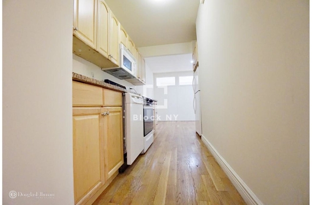 3 Bedrooms, Alphabet City Rental in NYC for $5,600 - Photo 2