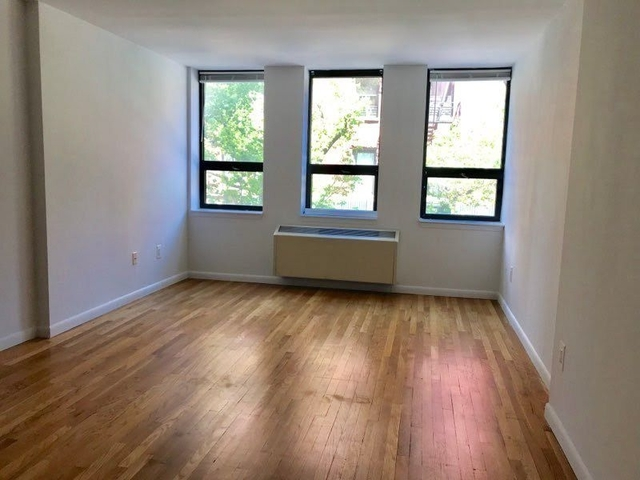 2 Bedrooms, Tribeca Rental in NYC for $5,925 - Photo 2