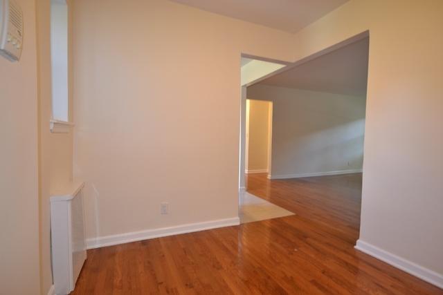 2 Bedrooms, Kew Gardens Hills Rental in NYC for $2,150 - Photo 1