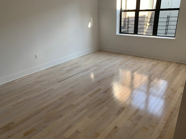 Room, Washington Heights Rental in NYC for $1,050 - Photo 2