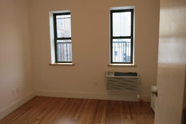 2 Bedrooms, Hell's Kitchen Rental in NYC for $3,199 - Photo 2