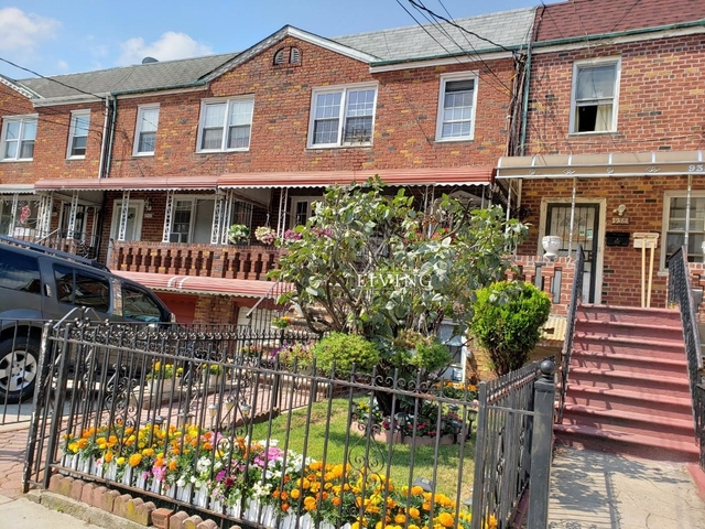 3 Bedrooms, Canarsie Rental in NYC for $2,300 - Photo 1