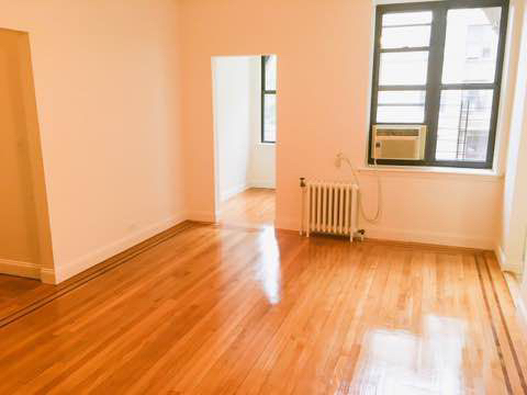 2 Bedrooms, Downtown Flushing Rental in NYC for $2,150 - Photo 2