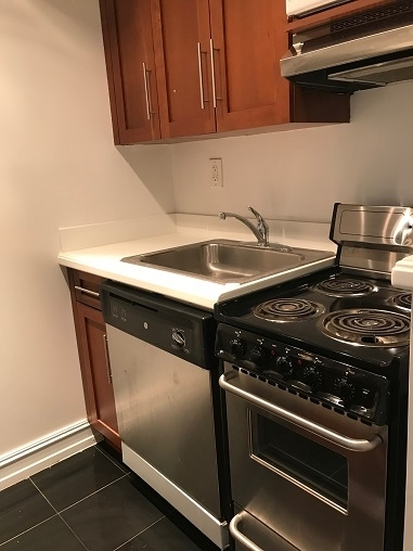 Studio, Lincoln Square Rental in NYC for $2,420 - Photo 2