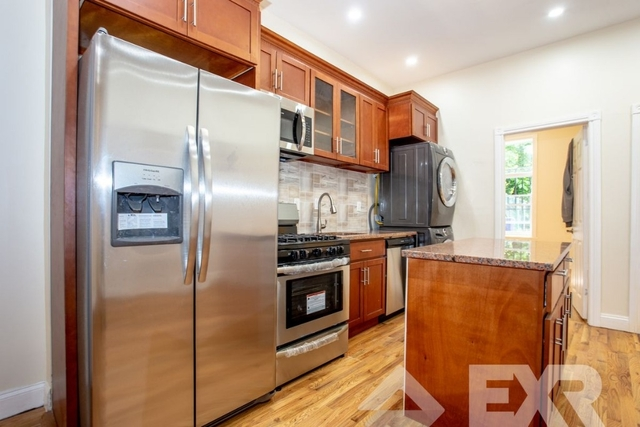 3 Bedrooms, Bedford-Stuyvesant Rental in NYC for $875 - Photo 2