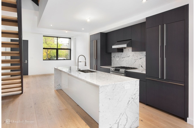 4 Bedrooms, Red Hook Rental in NYC for $8,250 - Photo 1