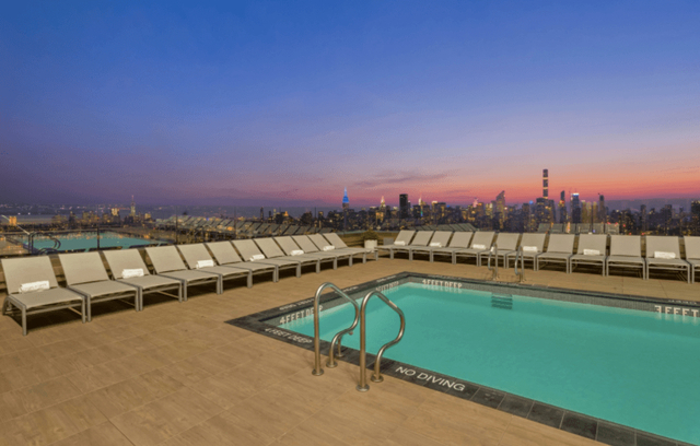 1 Bedroom, Long Island City Rental in NYC for $3,097 - Photo 2