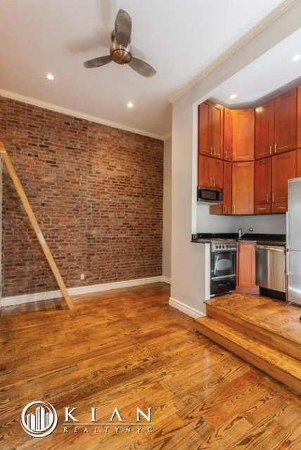 3 Bedrooms, West Village Rental in NYC for $6,990 - Photo 2