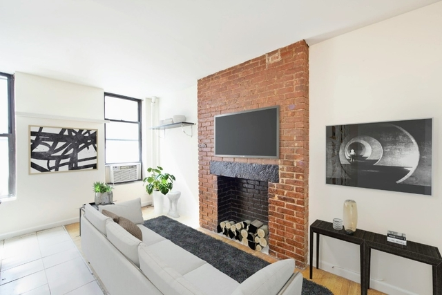3 Bedrooms, Little Italy Rental in NYC for $4,600 - Photo 1