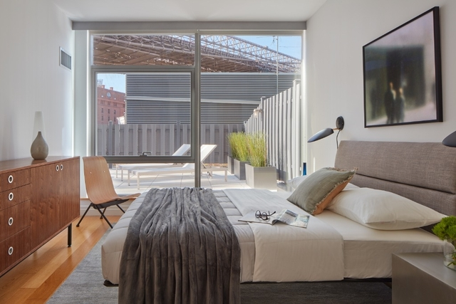 2 Bedrooms, DUMBO Rental in NYC for $5,672 - Photo 2