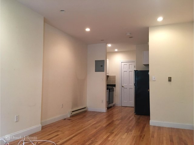 Studio, Hell's Kitchen Rental in NYC for $2,070 - Photo 2