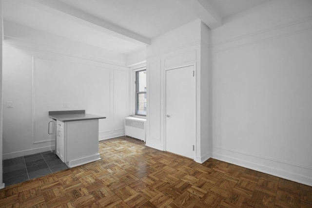Studio, Lincoln Square Rental in NYC for $2,145 - Photo 2