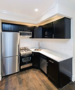 2 Bedrooms, Chelsea Rental in NYC for $4,853 - Photo 1