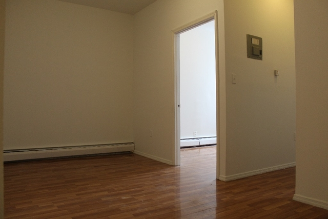 1 Bedroom, Bushwick Rental in NYC for $2,325 - Photo 2