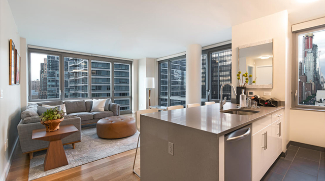 2 Bedrooms, Hell's Kitchen Rental in NYC for $5,099 - Photo 1