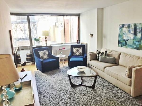 3 Bedrooms, Financial District Rental in NYC for $7,328 - Photo 2