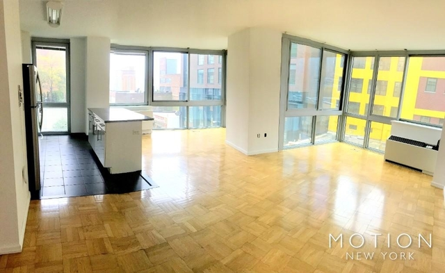 3 Bedrooms, Hell's Kitchen Rental in NYC for $5,455 - Photo 2