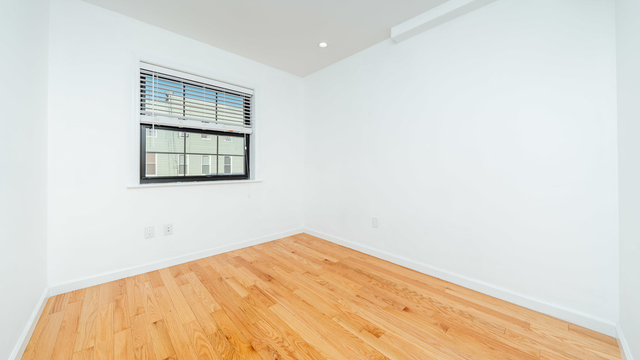 2 Bedrooms, Greenpoint Rental in NYC for $2,999 - Photo 2