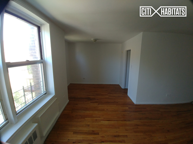 Studio, Woodside Rental in NYC for $1,800 - Photo 2