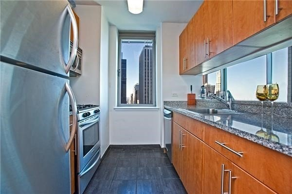 1 Bedroom, Financial District Rental in NYC for $3,095 - Photo 2
