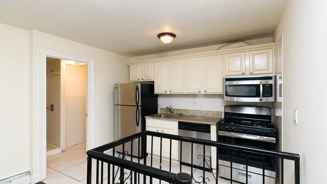 4 Bedrooms, Ridgewood Rental in NYC for $2,848 - Photo 2