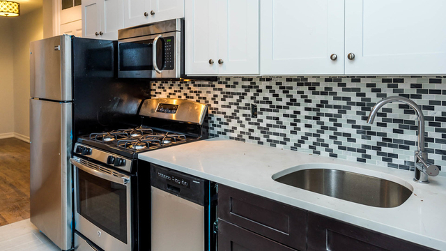 3 Bedrooms, Ridgewood Rental in NYC for $2,975 - Photo 2