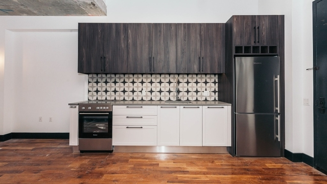 3 Bedrooms, Ridgewood Rental in NYC for $3,483 - Photo 2