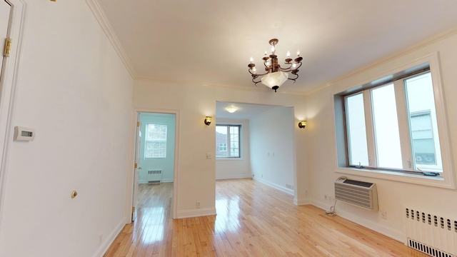 3 Bedrooms, Gravesend Rental in NYC for $2,400 - Photo 1
