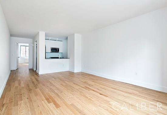 2 Bedrooms, Chelsea Rental in NYC for $6,770 - Photo 1