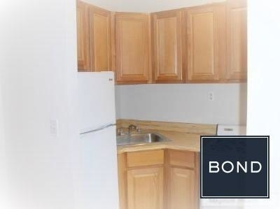 3 Bedrooms, Gramercy Park Rental in NYC for $4,275 - Photo 2