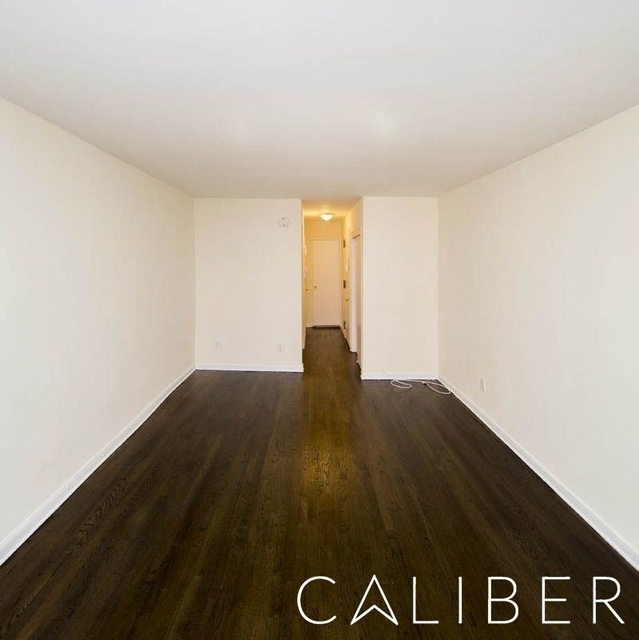 Studio, Sutton Place Rental in NYC for $2,429 - Photo 2